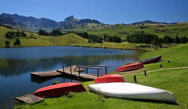 visit Drakensberg Mountains