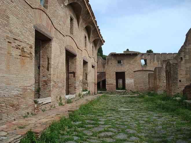 Ostian Insulae in Ostia